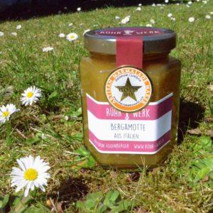 Glas mit Marmalade aus Bergamotte aus Calabrien. Diese hat an den World Marmalade Awards 2019 Gold gewonnen.