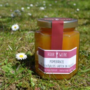 Marmelade aus Pomeranzen, diese gehören zu den Bitterorangen. Es handelt sich dabei um eine Wildform, die ungespritz wächst und wunderbare Früchte trägt.