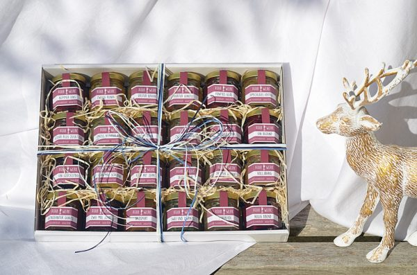 Genuss Adventskalender mit vierundzwanzig Fruchtaufstrichen