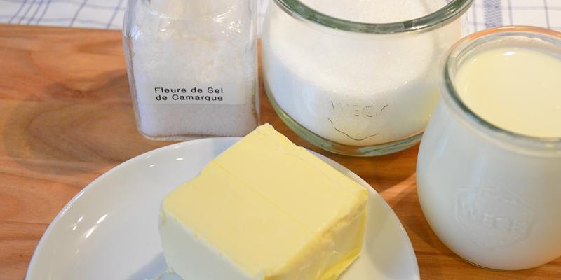 Zutaten Butter, Rahm, Zucker, Salz