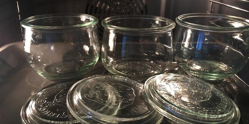 Gläser im Backofen bei 100°C zum sterilisieren
