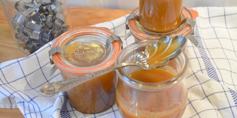 Fertige Caramelbutter in Gläser abgefüllt